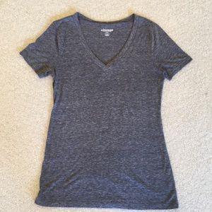 Old navy heathered grey t-shirt